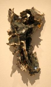 Un crucifix revu et corrigé en céramique